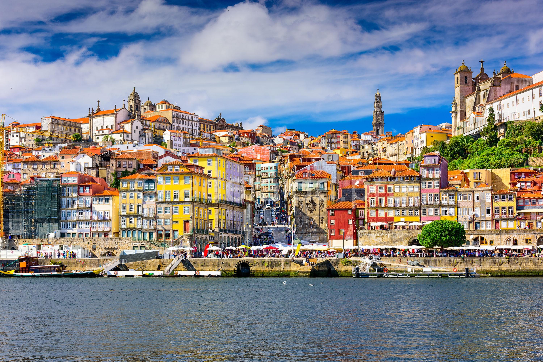 Порту. Архитектурный памятник и родина портвейна