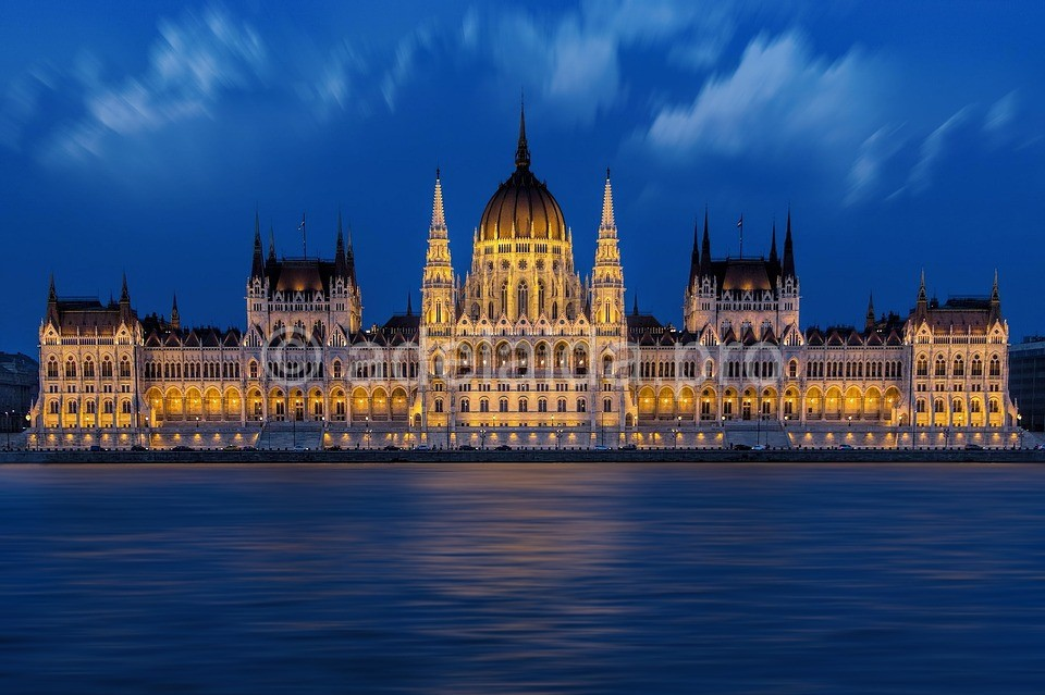 Будапешт. Погружение в затопленные пещеры под городом