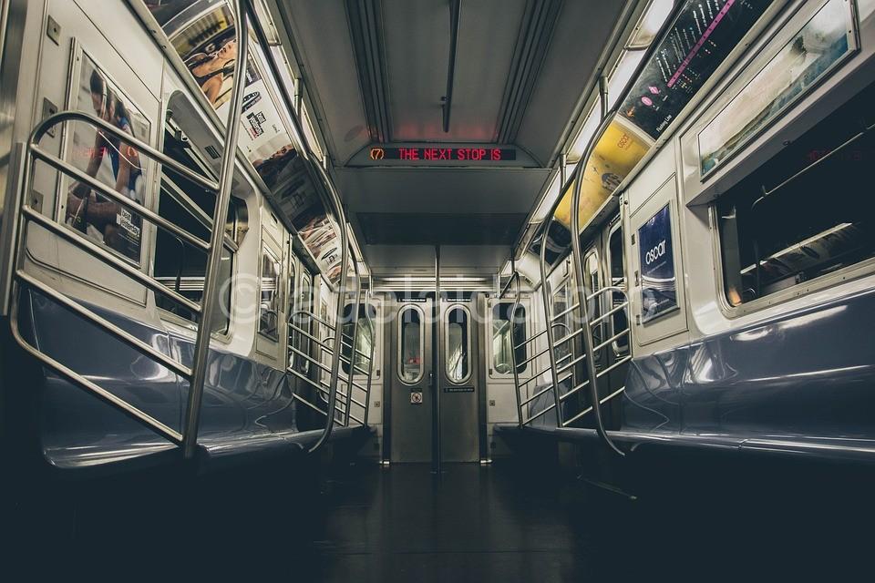 Как избежать опасности в метро