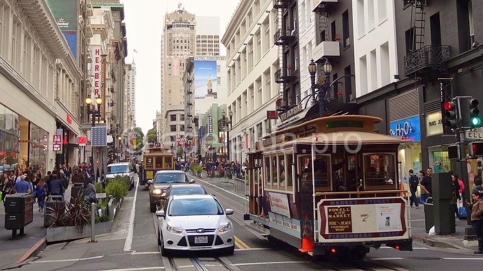 Чайнатаун — район в китайском стиле — еще одна достопримечательность Сан-Франциско