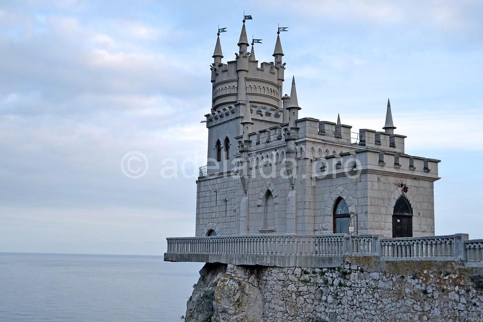 Крым. Дворцы, виноградники и пещеры