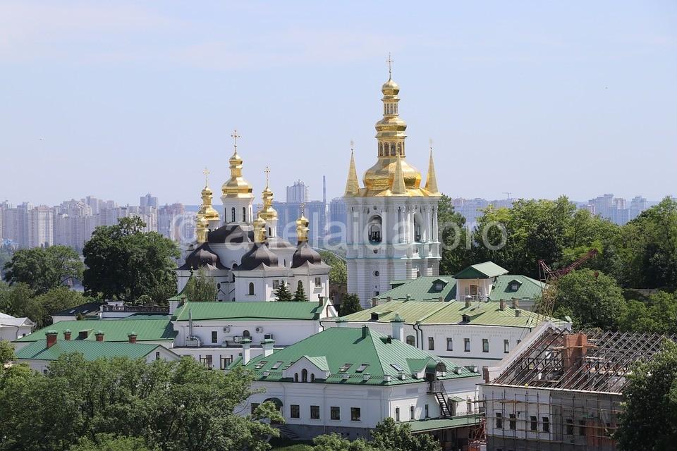 Киев Деды Морозы, химеры и украинские волхвы