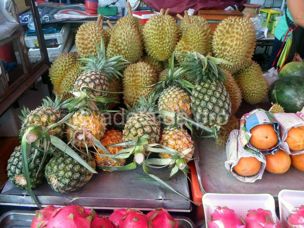 Дуриан, по праву, назван королем фруктов