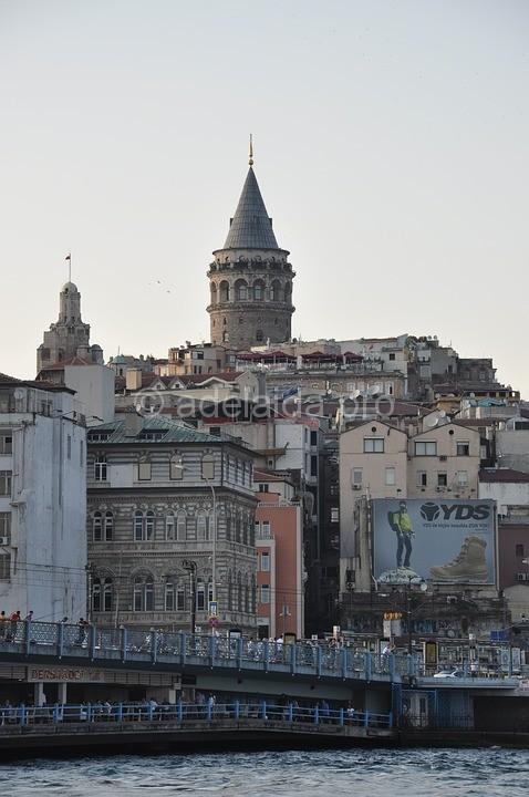 История Галатской башни начинается с момента основания колонии выходцами из Генуи