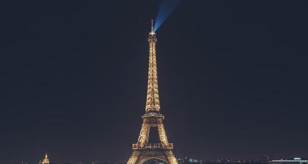 Эйфелева башня - нет ничего более постоянного, чем временное