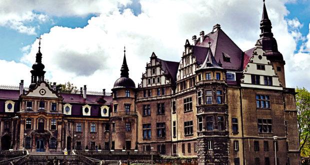 Мошненский замок или Польский диснейленд