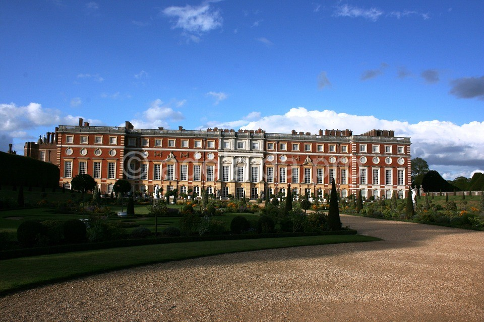 Несколько фактов о дворце Хэмптон-корт