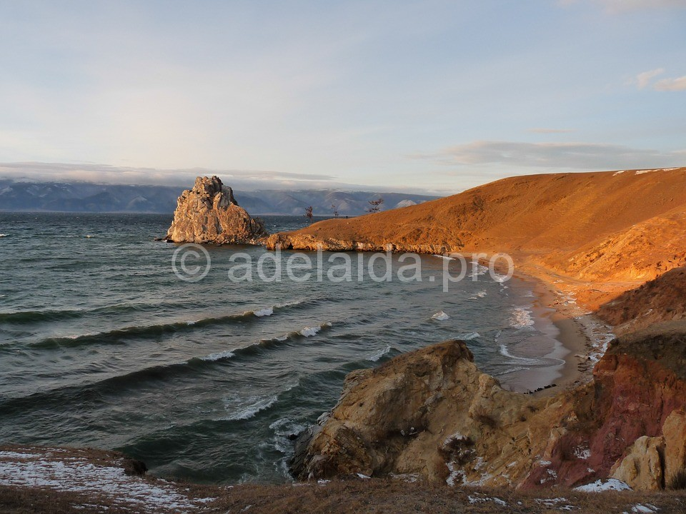 Озеро Байкал, Шаман камень