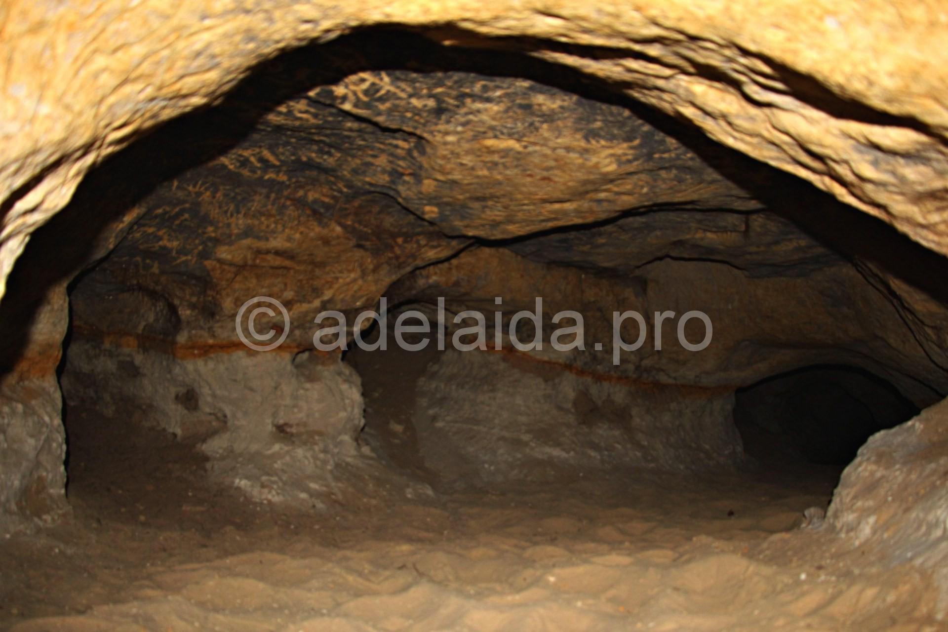 Внутри кудеяровой пещеры